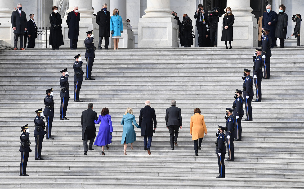 مروری بر مراسم تحلیف رئیس جمهور آمریکا ، بایدن از طریق عکس ها - عکس 3.