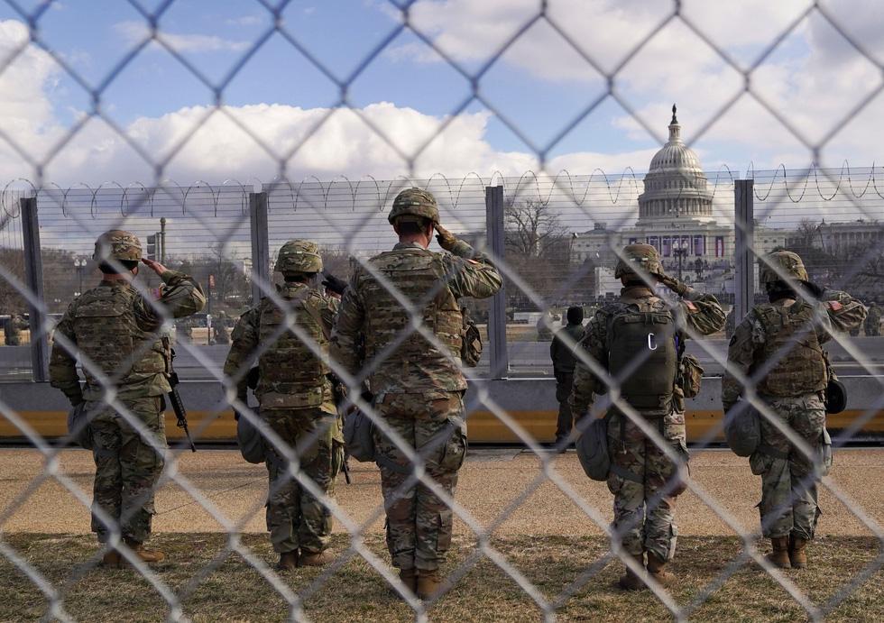 مروری بر مراسم تحلیف رئیس جمهور آمریکا ، بایدن از طریق عکس ها - عکس 5.