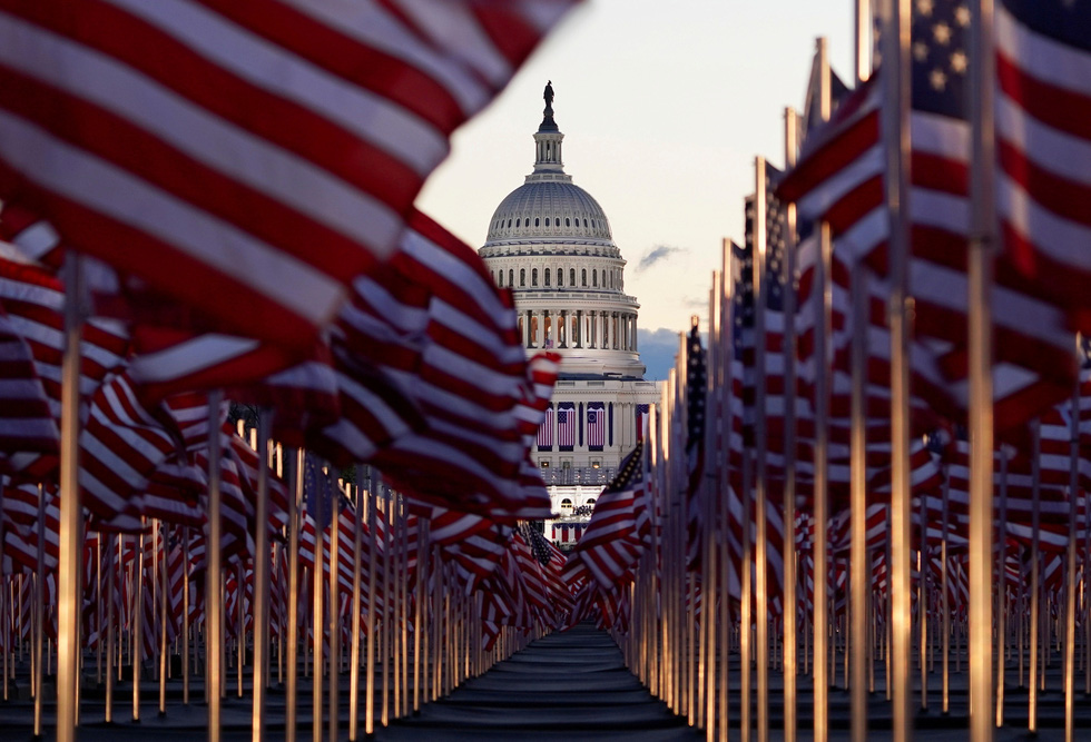 مروری بر مراسم تحلیف رئیس جمهور آمریکا ، بایدن از طریق عکس ها - عکس 2.