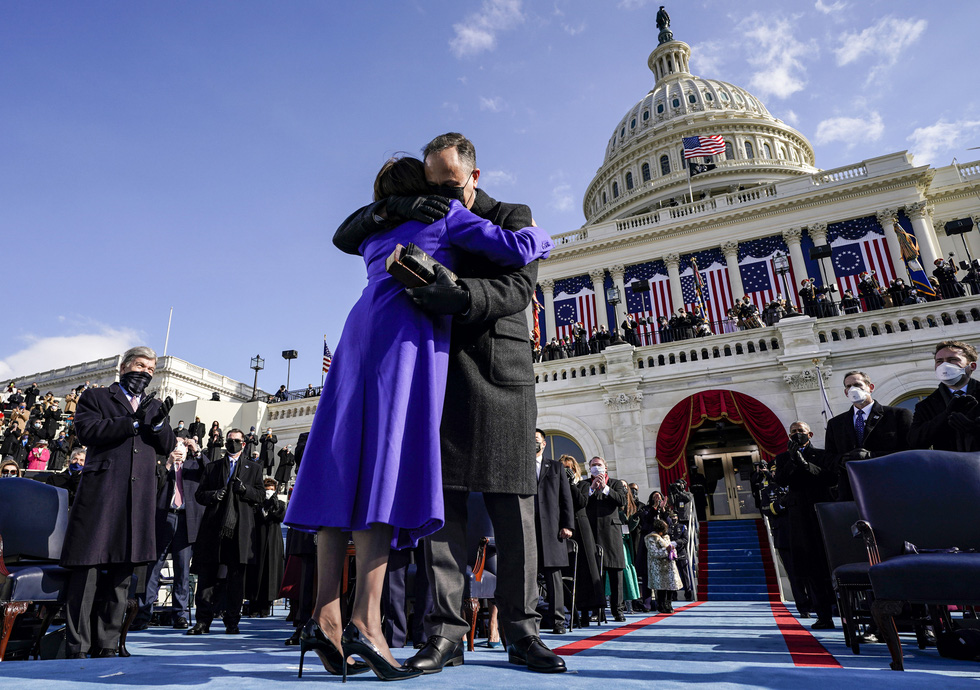 مروری بر مراسم تحلیف رئیس جمهور آمریکا ، بایدن از طریق عکس ها - عکس 9.