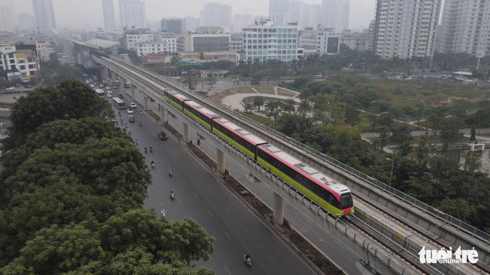 Khách tham quan metro Nhổn - ga Hà Nội nhớ đeo khẩu trang, mang CMND - Ảnh 2.