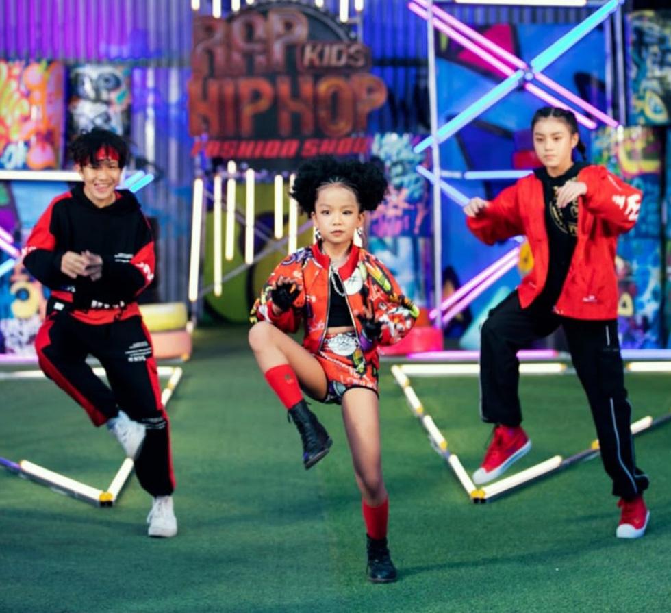 HHen Niê diễn thời trang rap-hiphop cùng 100 mẫu nhí - Ảnh 7.