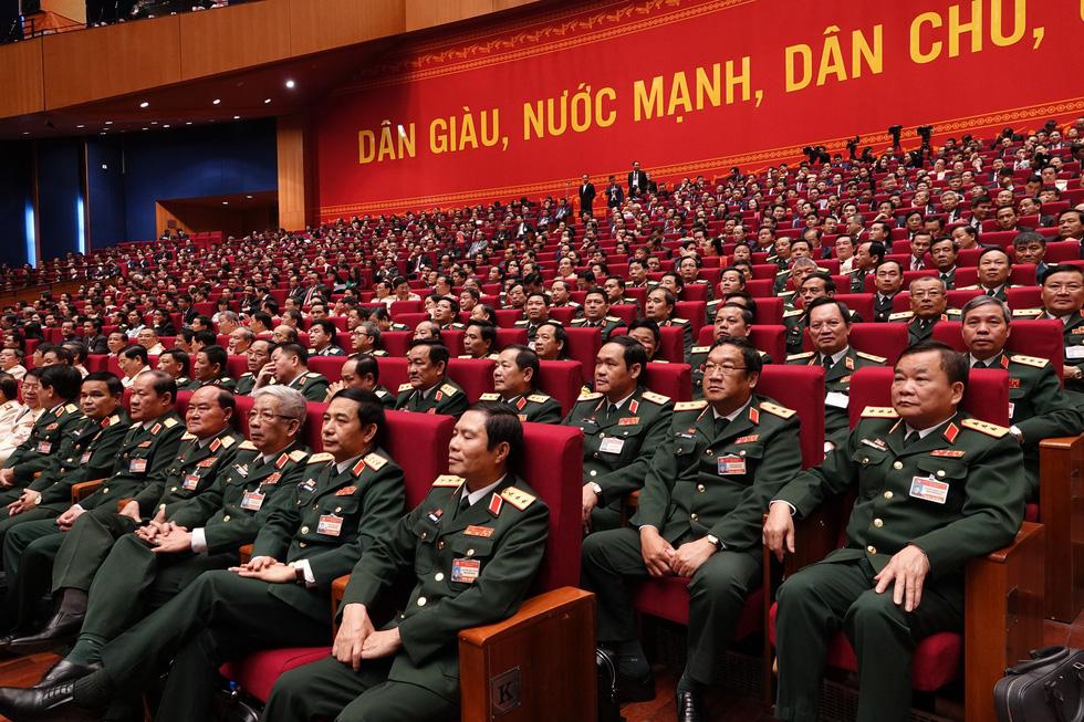 Chùm ảnh lãnh đạo Đảng, Nhà nước và các đại biểu tại phiên họp trù bị Đại hội Đảng XIII - Ảnh 19.