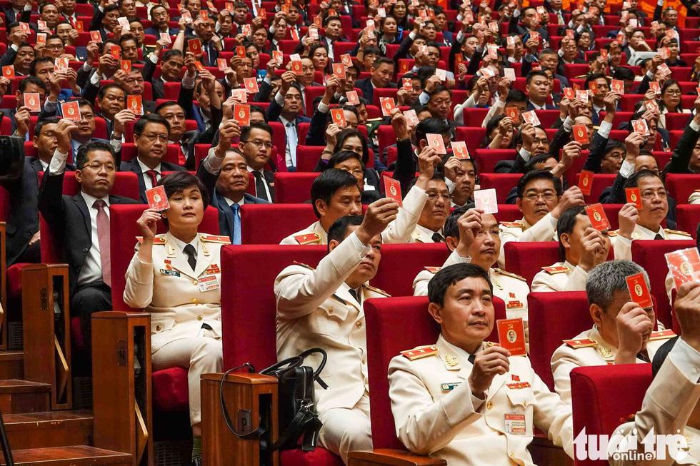 Chùm ảnh lãnh đạo Đảng, Nhà nước và các đại biểu tại phiên họp trù bị Đại hội Đảng XIII - Ảnh 15.