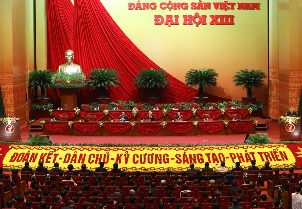 Chùm ảnh lãnh đạo Đảng, Nhà nước và các đại biểu tại phiên họp trù bị Đại hội Đảng XIII - Ảnh 4.