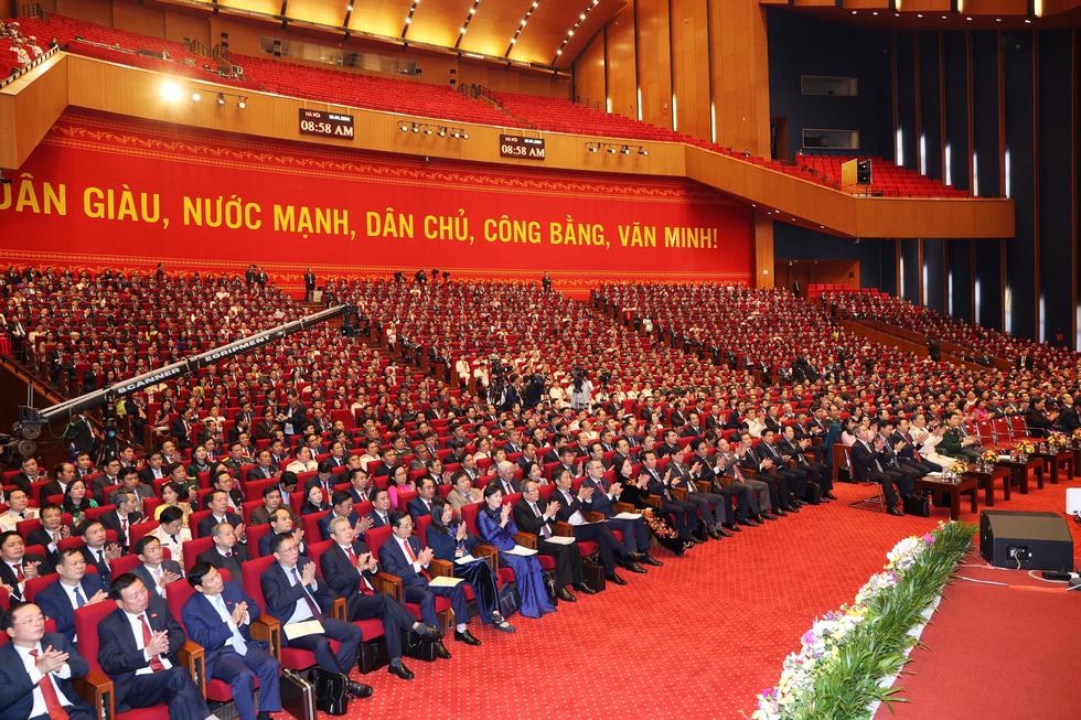 Chùm ảnh lãnh đạo Đảng, Nhà nước và các đại biểu tại phiên họp trù bị Đại hội Đảng XIII - Ảnh 16.