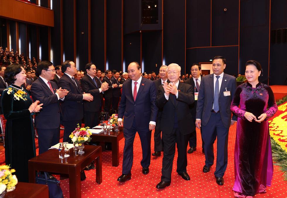Chùm ảnh lãnh đạo Đảng, Nhà nước và các đại biểu tại phiên họp trù bị Đại hội Đảng XIII - Ảnh 2.