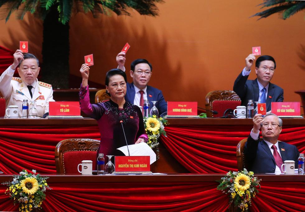 Chùm ảnh lãnh đạo Đảng, Nhà nước và các đại biểu tại phiên họp trù bị Đại hội Đảng XIII - Ảnh 11.