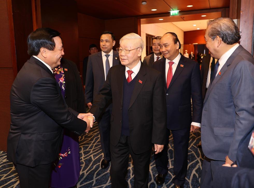 Chùm ảnh lãnh đạo Đảng, Nhà nước và các đại biểu tại phiên họp trù bị Đại hội Đảng XIII - Ảnh 8.
