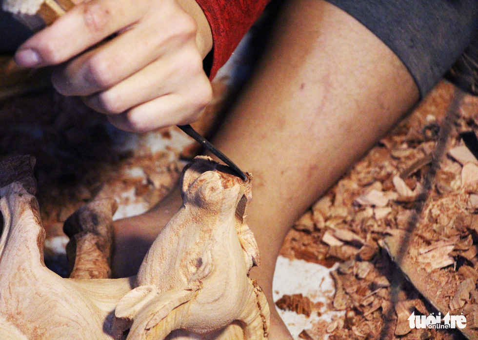 Trâu gỗ, trâu đất vào Nam 'đón tết' - Ảnh 6.