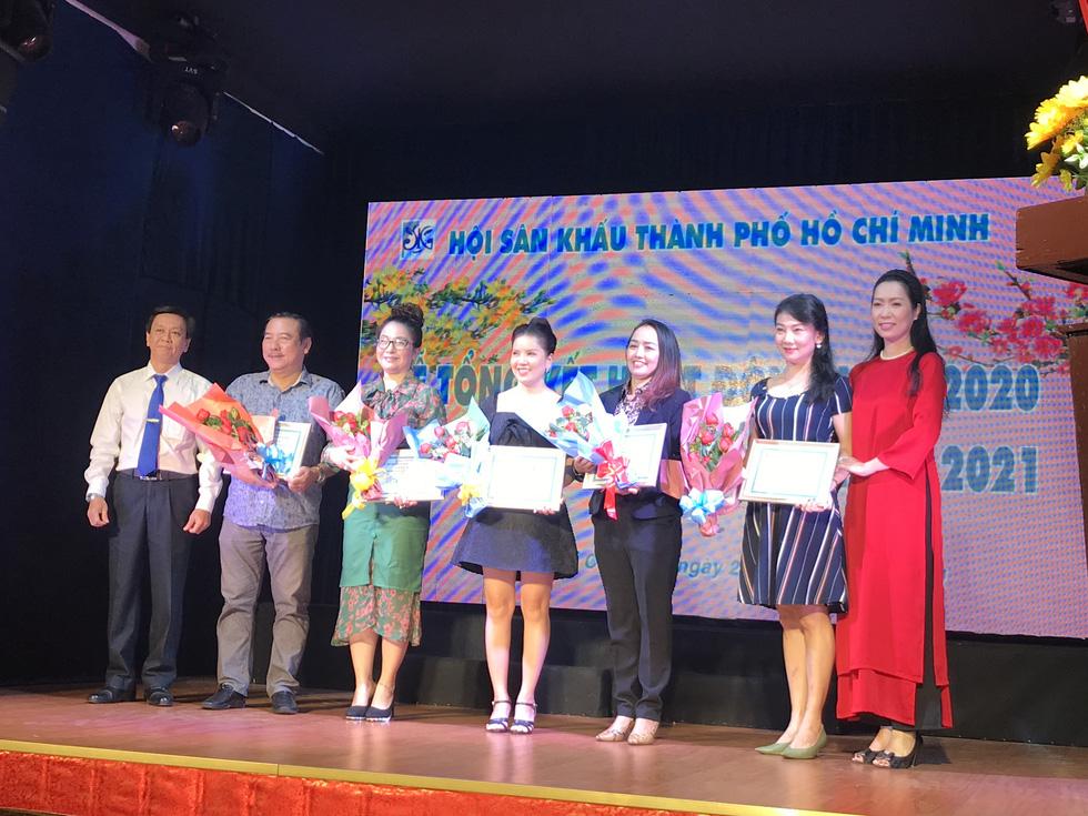Mút chỉ mút cà tha được trao giải A, nghệ sĩ Ái Như nhận giải nữ diễn viên xuất sắc - Ảnh 3.
