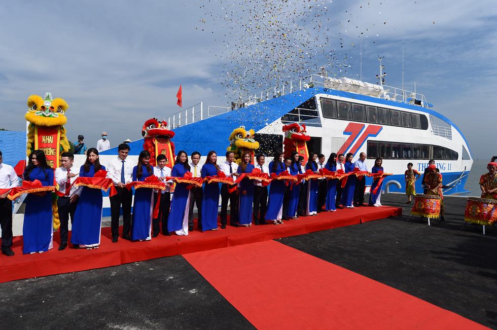 Tuyến phà biển Cần Giờ - Vũng Tàu ngày đầu khai trương - Ảnh 8.