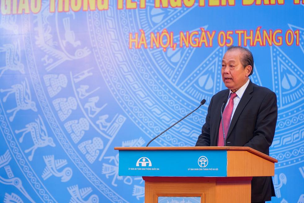 Phó thủ tướng Trương Hòa Bình: Phải lên án các hành vi phi văn hóa khi tham gia giao thông - Ảnh 1.