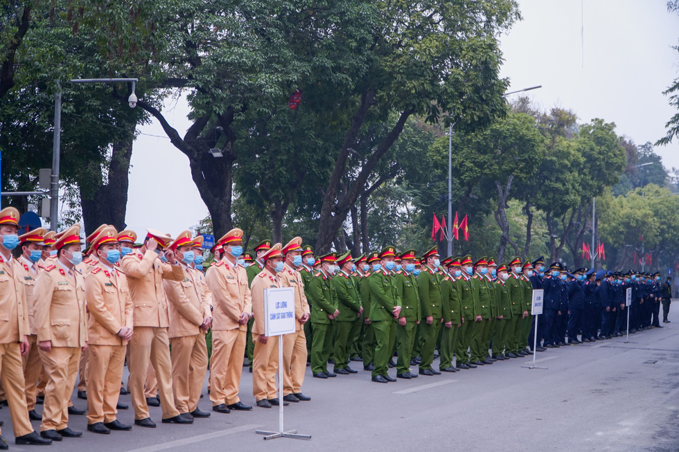 Phó thủ tướng Trương Hòa Bình: Phải lên án các hành vi phi văn hóa khi tham gia giao thông - Ảnh 2.