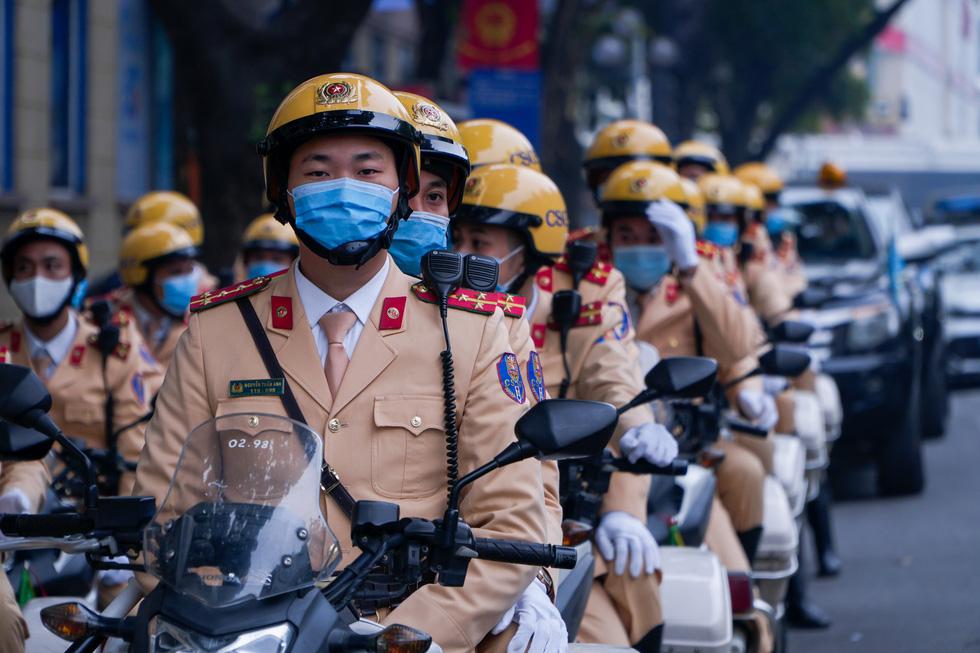 Phó thủ tướng Trương Hòa Bình: Phải lên án các hành vi phi văn hóa khi tham gia giao thông - Ảnh 4.