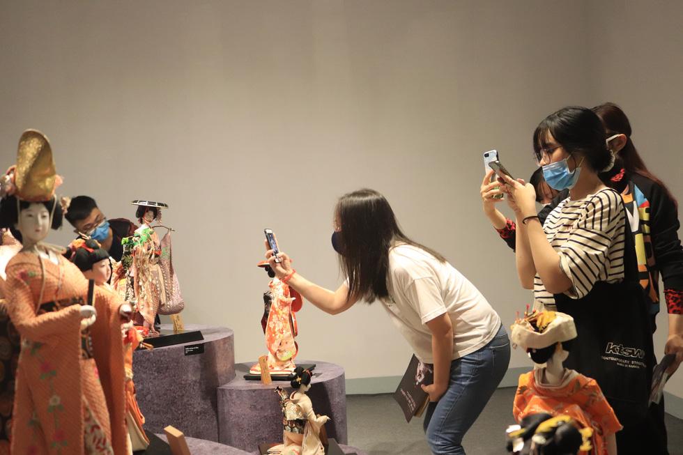 Với người Nhật, búp bê là người bạn tâm tình, đại diện cho cảm xúc của chủ nhân - Ảnh 1.
