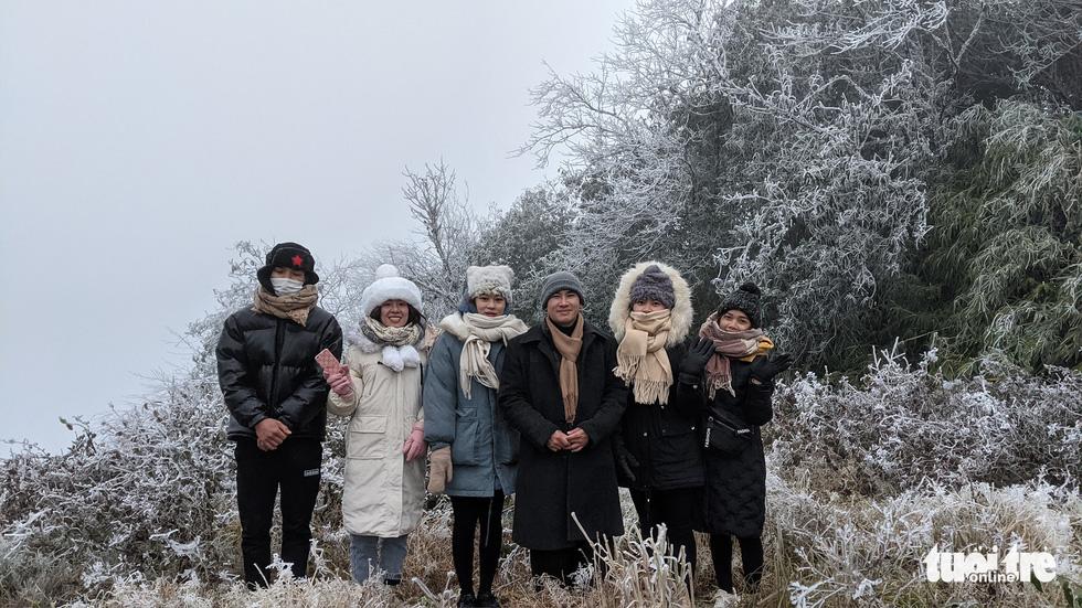 Băng giá phủ trắng Cao Bằng, Lạng Sơn - Ảnh 3.