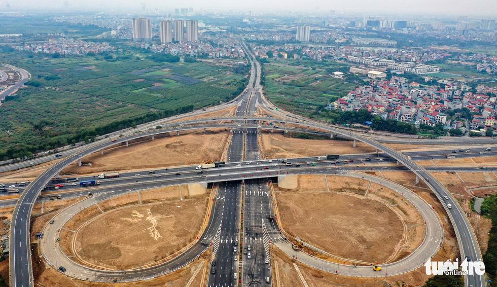 Thông xe nút giao thông quan trọng phía Đông, khởi công cầu Vĩnh Tuy 2 - Ảnh 2.