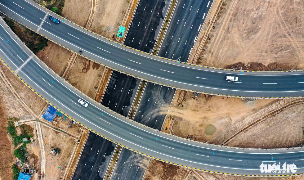 Thông xe nút giao thông quan trọng phía Đông, khởi công cầu Vĩnh Tuy 2 - Ảnh 3.