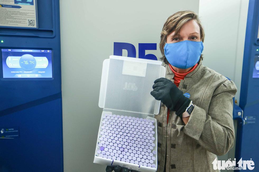 Mỹ bàn giao tủ lạnh âm sâu lưu trữ vắc xin Pfizer cho Việt Nam - Ảnh 5.