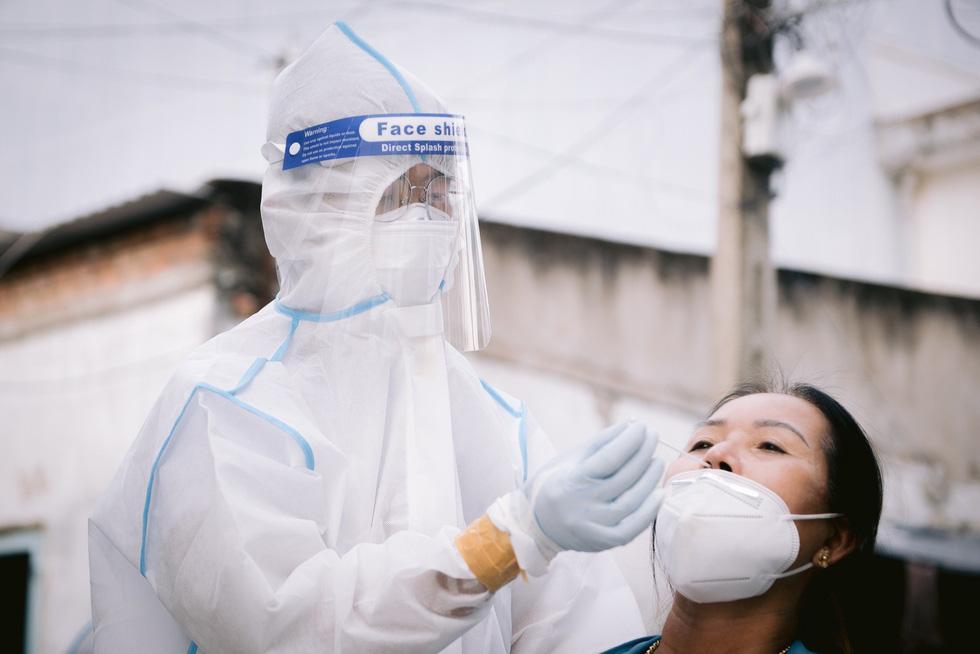 Những bức ảnh theo dấu chân tình nguyện giữa đại dịch COVID-19 - Ảnh 6.