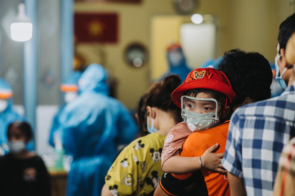 Những bức ảnh theo dấu chân tình nguyện giữa đại dịch COVID-19 - Ảnh 3.