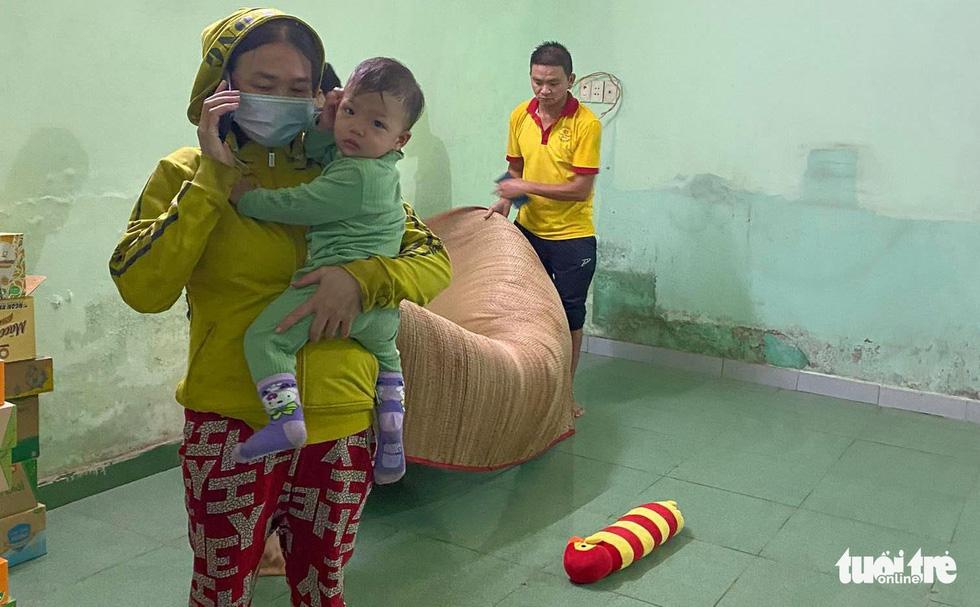 Thai phụ từ TP.HCM về Thanh Hóa chuyển dạ giữa đêm mưa tại Quảng Ngãi - Ảnh 7.