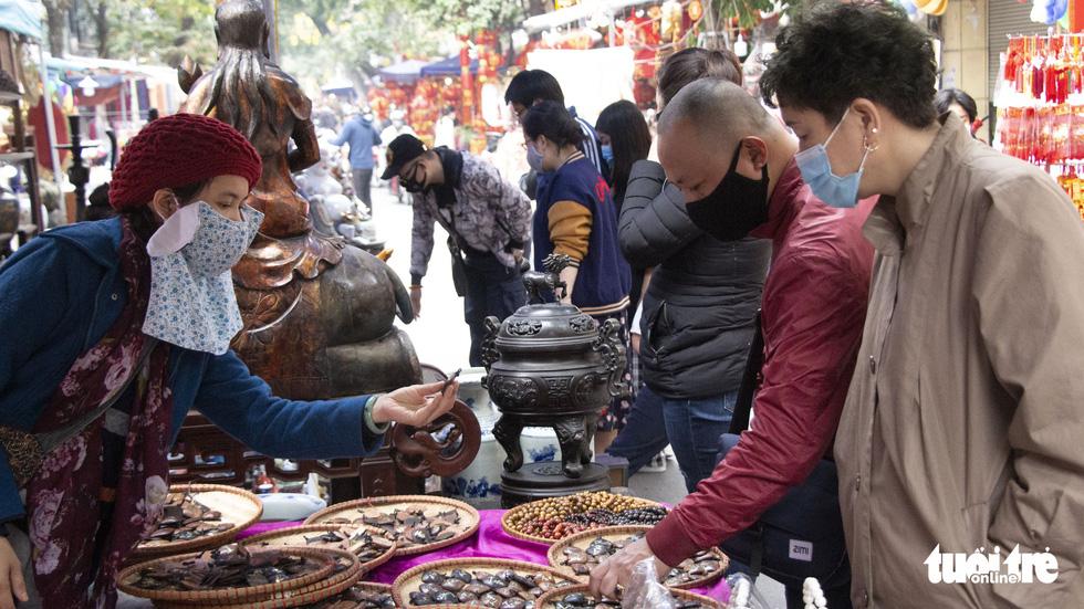 Đi chợ Hàng Lược 500 năm tuổi - Ảnh 9.