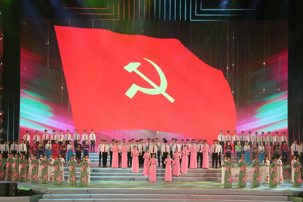 Rực rỡ Khát vọng - Tỏa sáng chào mừng thành công Đại hội Đảng - Ảnh 2.