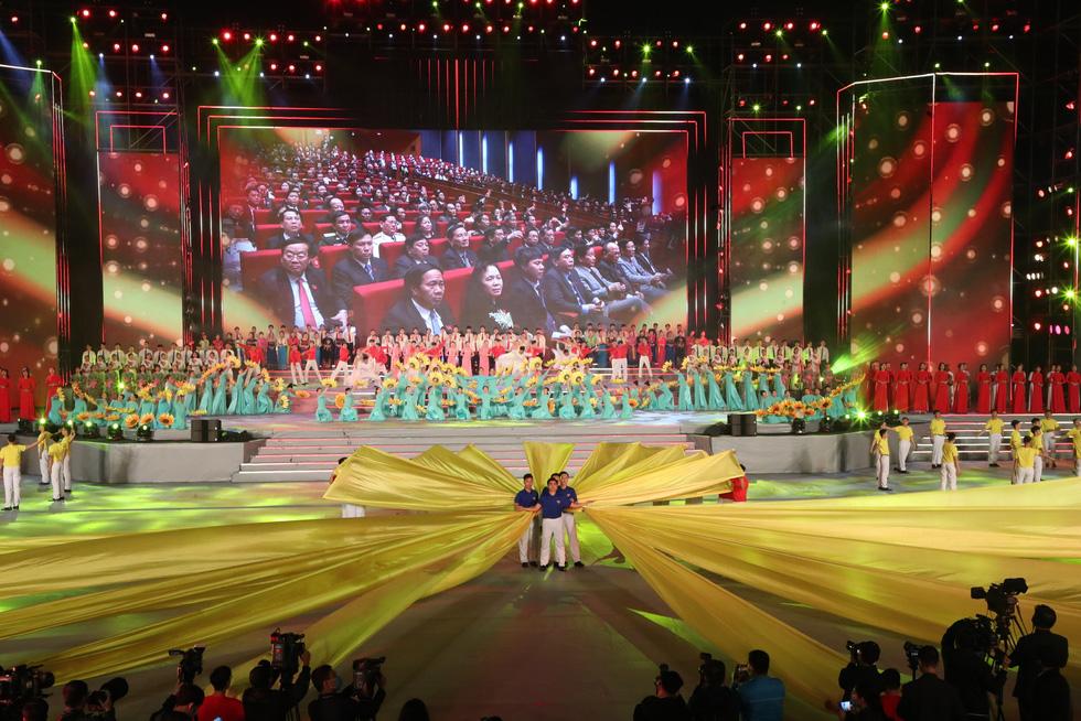 Rực rỡ Khát vọng - Tỏa sáng chào mừng thành công Đại hội Đảng - Ảnh 5.