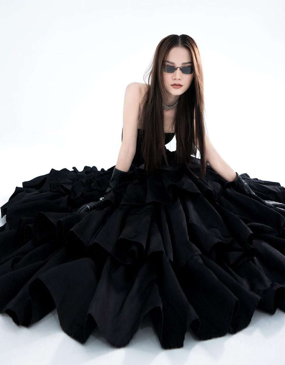 Trần Hùng công bố bộ sưu tập ấn tượng La Muse đến London Fashion Week - Ảnh 9.