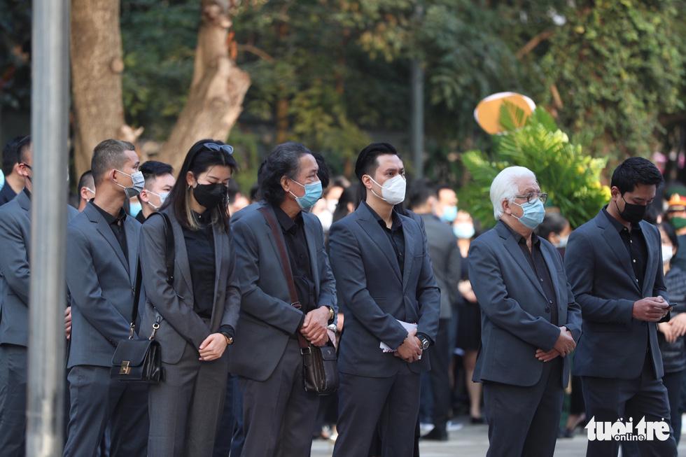 Lễ tang NSND Hoàng Dũng: Hàng trăm nghệ sĩ tiếc thương anh - Ảnh 5.