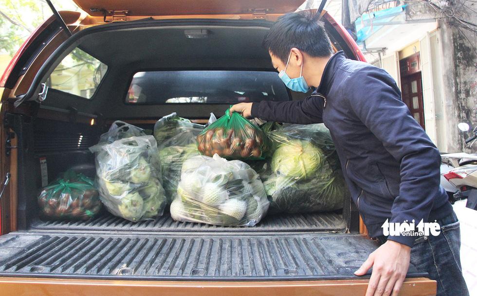 Người Hà Nội chung tay giải cứu nông sản Hải Dương - Ảnh 1.