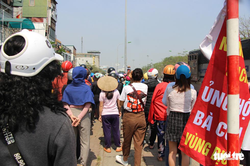 Người Hà Nội chung tay giải cứu nông sản Hải Dương - Ảnh 9.