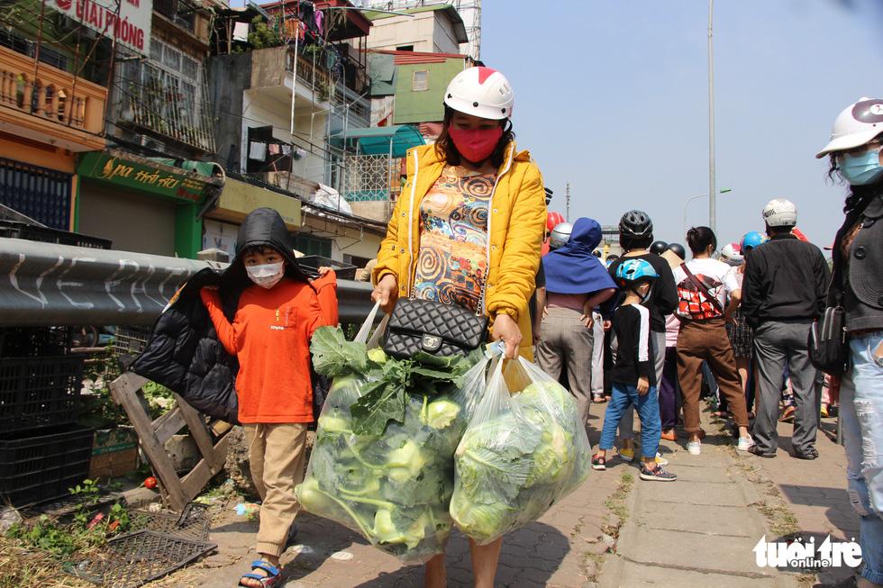 Người Hà Nội chung tay giải cứu nông sản Hải Dương - Ảnh 11.