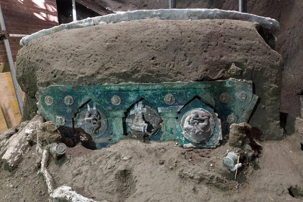 Tìm thấy xe ngựa rước lễ nguyên vẹn hơn 2.000 năm tuổi - Ảnh 2.