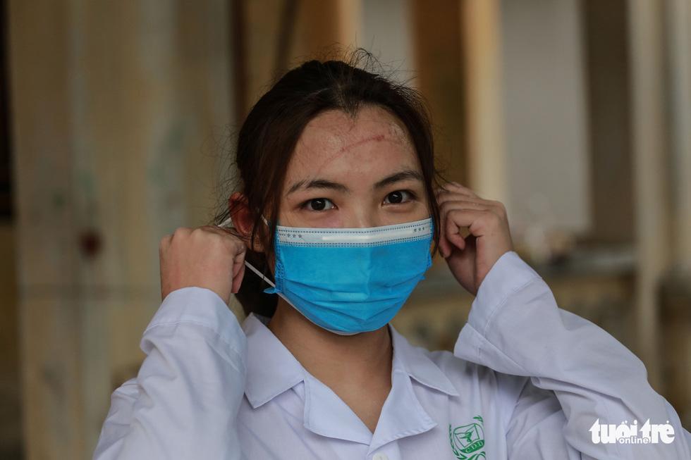 Sinh viên trường y vào tâm dịch: Nhà trường kêu gọi, cả lớp tức tốc về ngay - Ảnh 6.