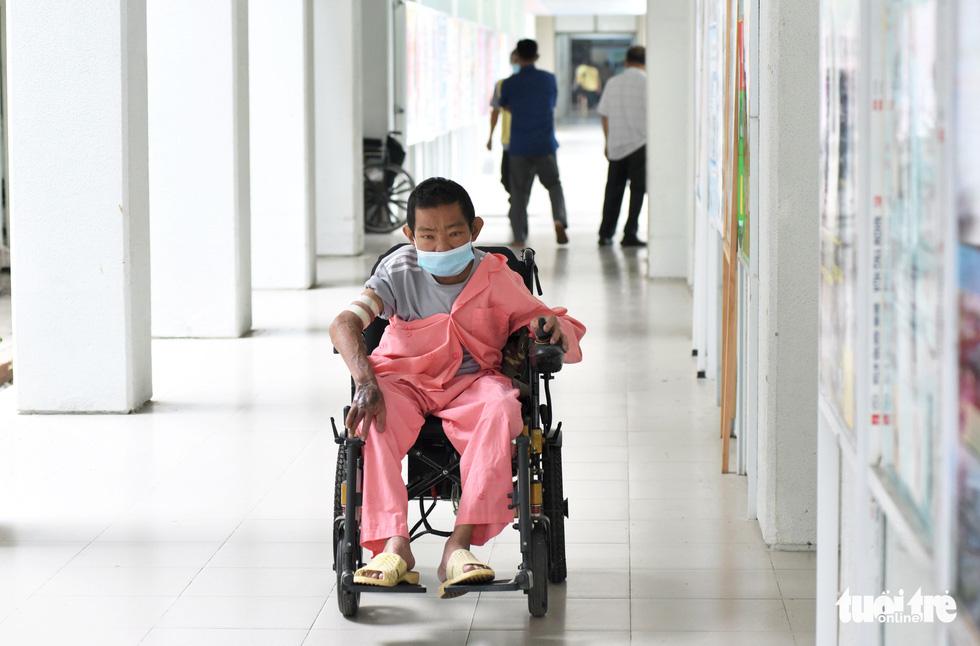 17 năm đón Tết trong bệnh viện của người đàn ông chạy thận - Ảnh 6.