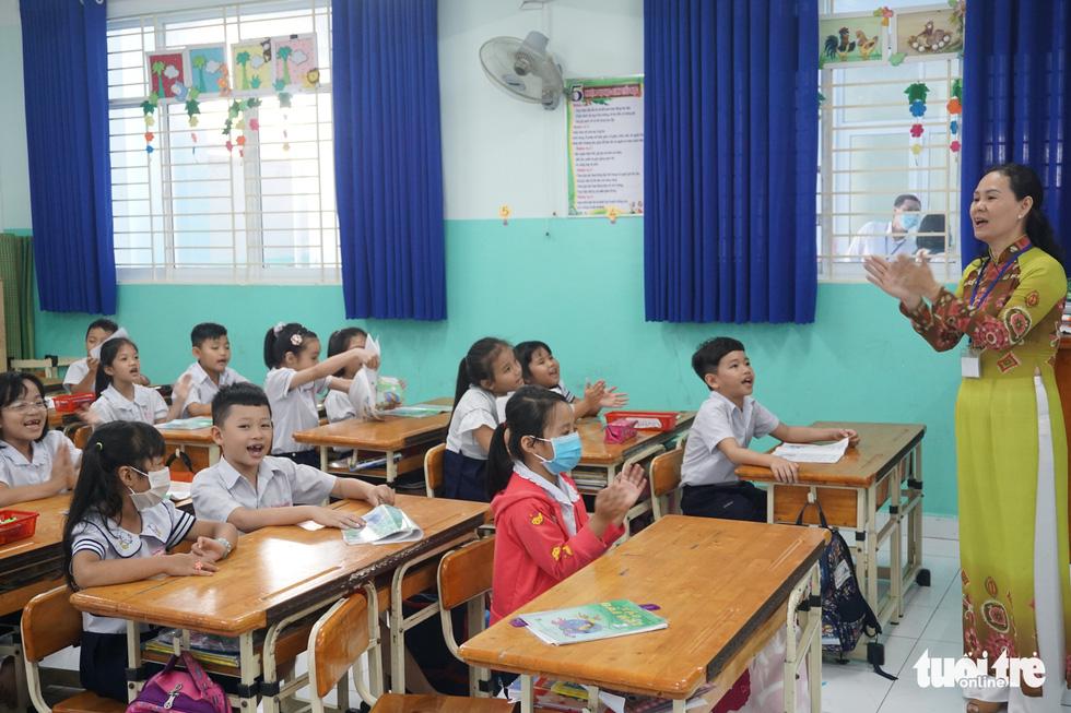 TP.HCM: Hơn 80% học sinh trở lại trường trong ngày 1-3 - Ảnh 1.