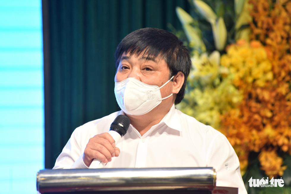 Báo Tuổi Trẻ trao tặng thiết bị y tế trị giá 6,5 tỉ đồng cho Bệnh viện Bệnh nhiệt đới TP.HCM - Ảnh 3.