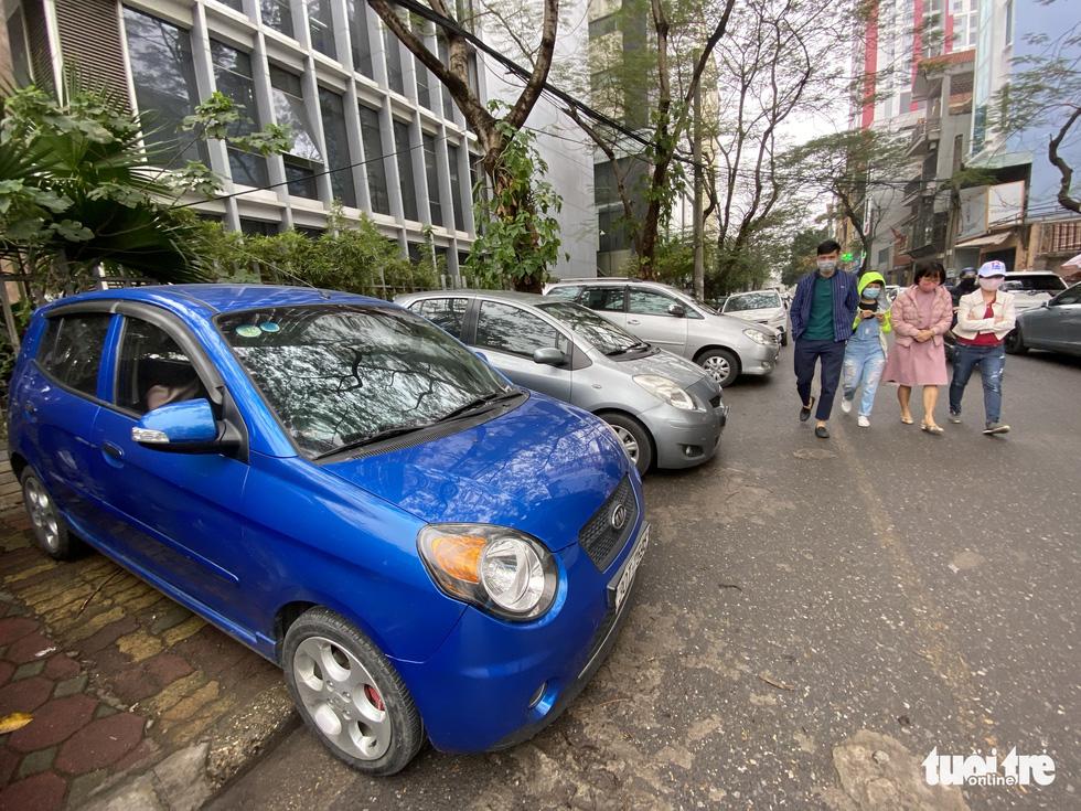 'Muốn làm thêm bãi đỗ xe trong khu đô thị cần sự đồng thuận của người dân' - Ảnh 1.
