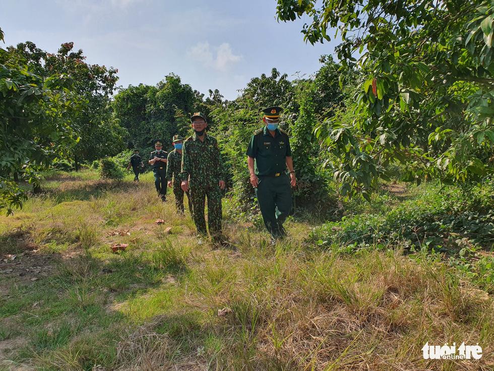 Chia nhỏ quân 'siết' biên giới Campuchia để ngăn dịch COVID-19 - Ảnh 5.