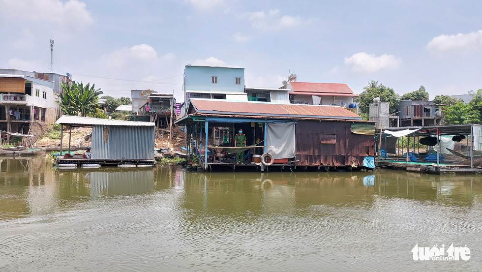 Chia nhỏ quân 'siết' biên giới Campuchia để ngăn dịch COVID-19 - Ảnh 3.