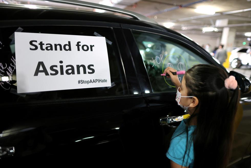 Chỉ một năm, gần 4.000 vụ kỳ thị, người Mỹ gốc Á xuống đường - Ảnh 8.