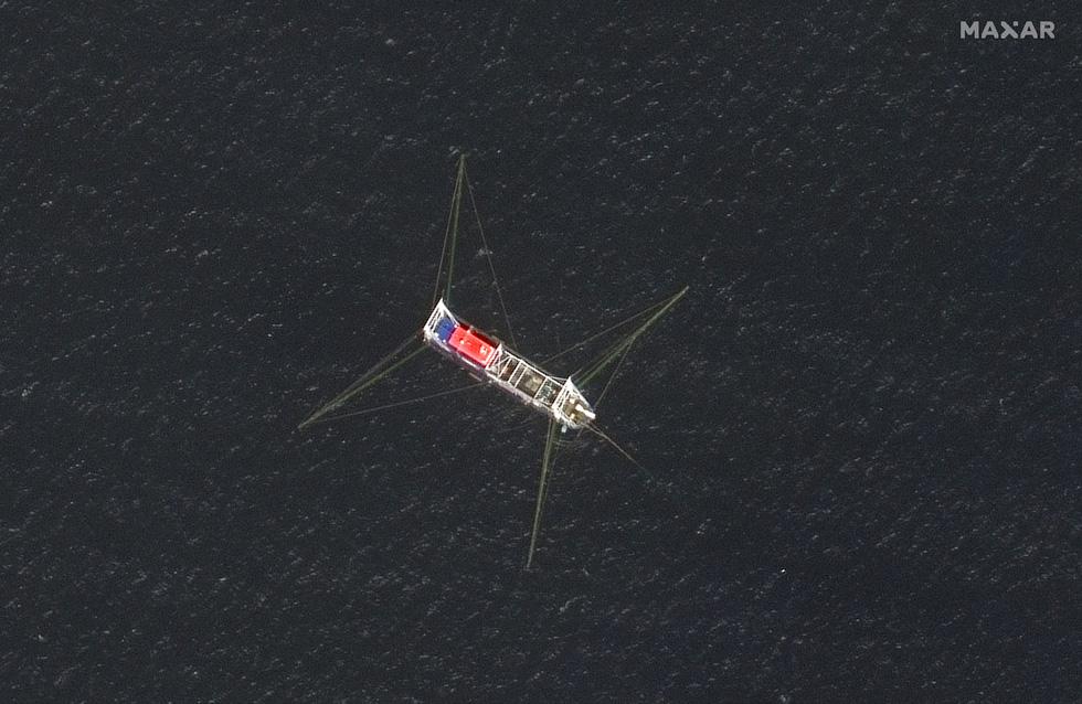 Cận cảnh đội hình tàu Trung Quốc tại Đá Ba Đầu - Ảnh 3.