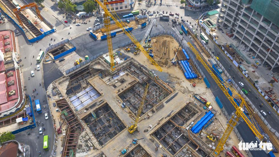 Cận cảnh nhà ga metro Bến Thành sâu 32m trong lòng đất - Ảnh 3.