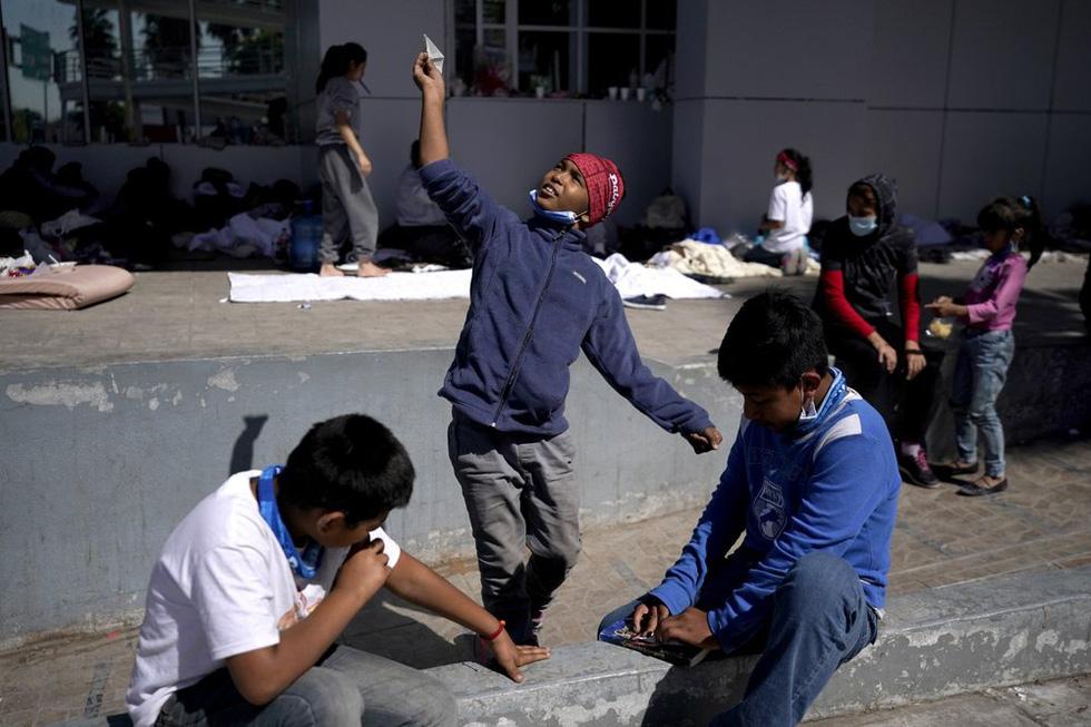 Hàng ngàn trẻ em Trung Mỹ, Mexico không người lớn kèm đang vượt biên sang Mỹ - Ảnh 2.