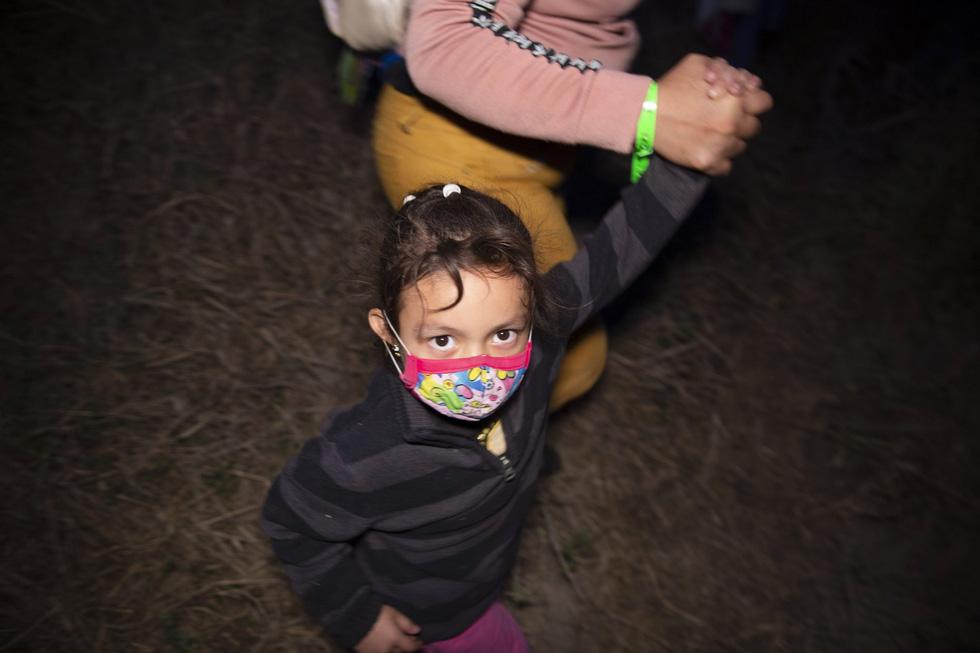 Hàng ngàn trẻ em Trung Mỹ, Mexico không người lớn kèm đang vượt biên sang Mỹ - Ảnh 9.