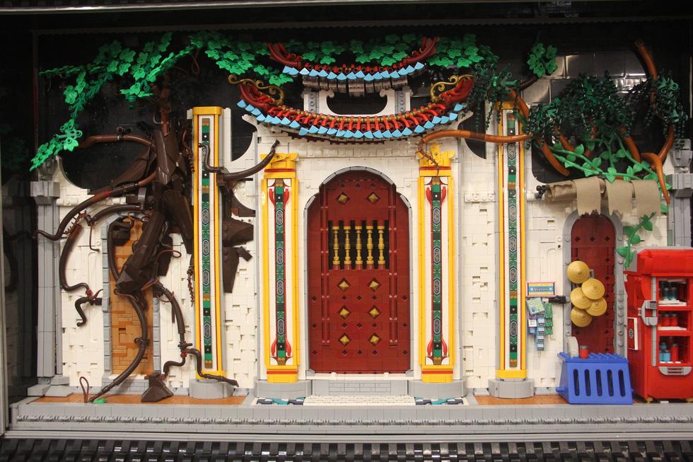 Đình chùa, đường phố Việt Nam được tái hiện độc đáo bằng lego - Ảnh 1.