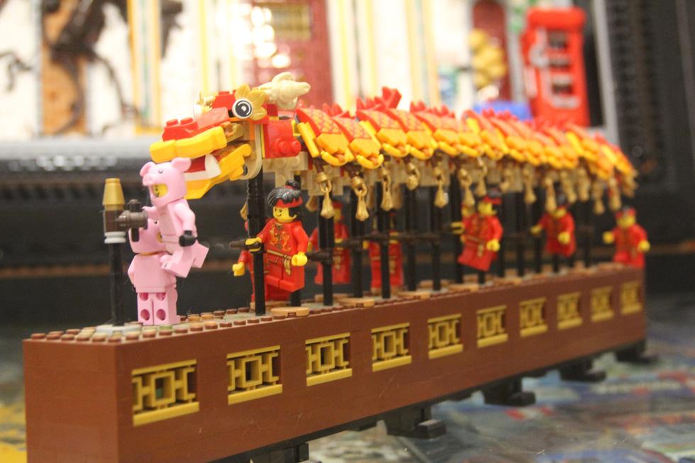 Đình chùa, đường phố Việt Nam được tái hiện độc đáo bằng lego - Ảnh 3.
